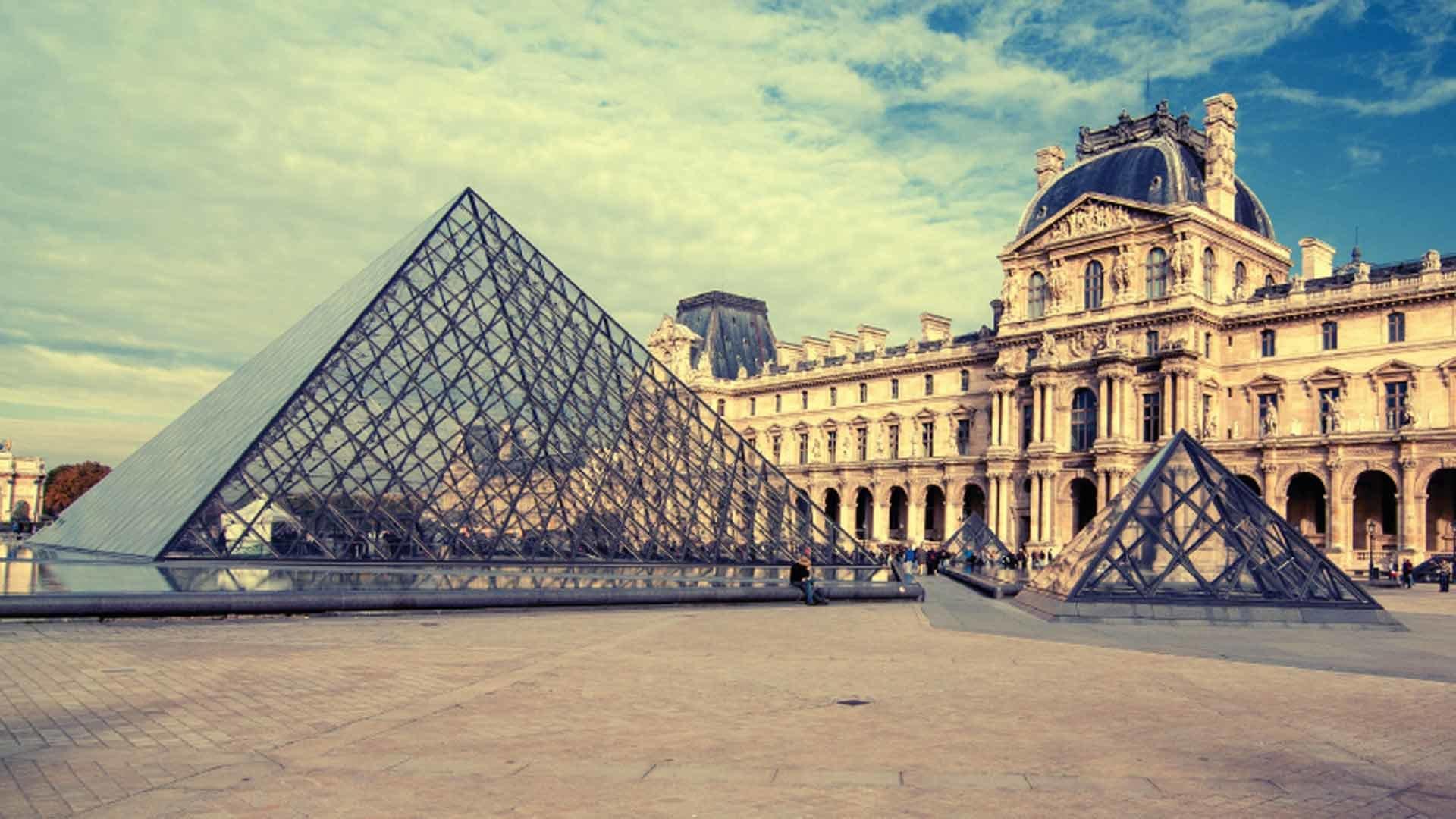 Salon Omyagué au Louvre